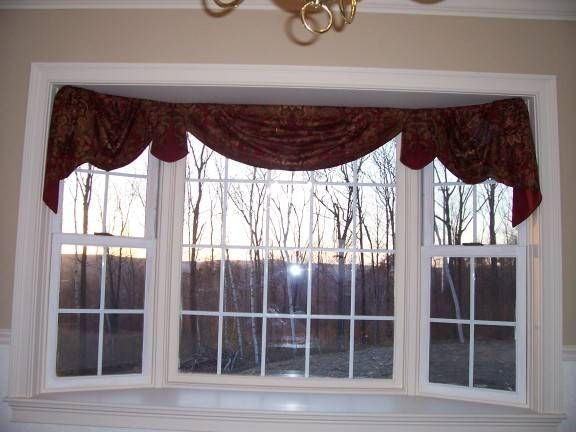 Another Style Idea For Kitchen Home Decorating Curtain Rods Bay Windows