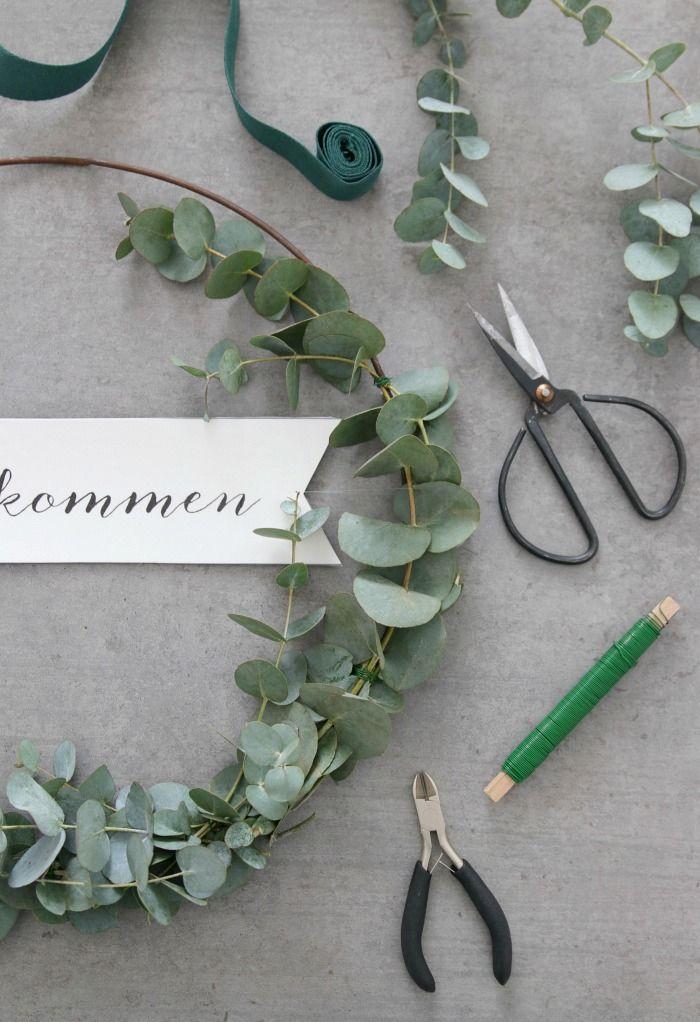 Photo of {DIY} A simple DIY eucalyptus wreath for the front door (including printable) – Emma Bee