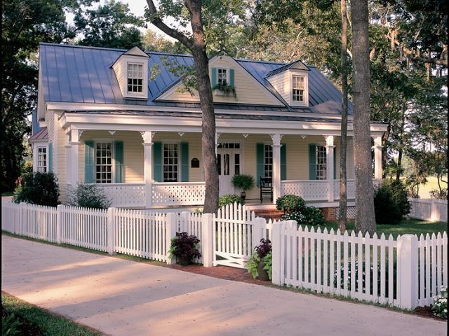 Things We Love White Picket Fences Design Chic Cottage House Plans Cottage Homes House Plans