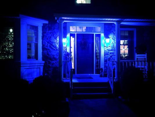 Shine A Blue Porch Light To Honor Police Officers Porch Lighting Blue Lives Lights