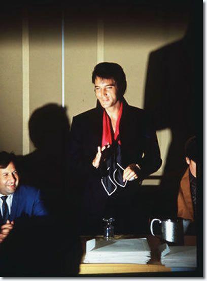 ELVIS PRESLEY 1969 August Press Conference Las Vegas Photo GREAT SMILE