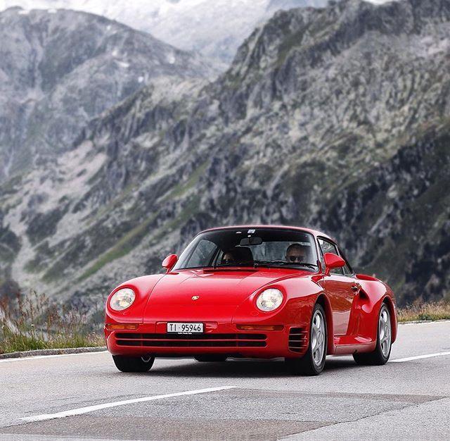 Porsche 959. The best 90\u0027s hypercar!