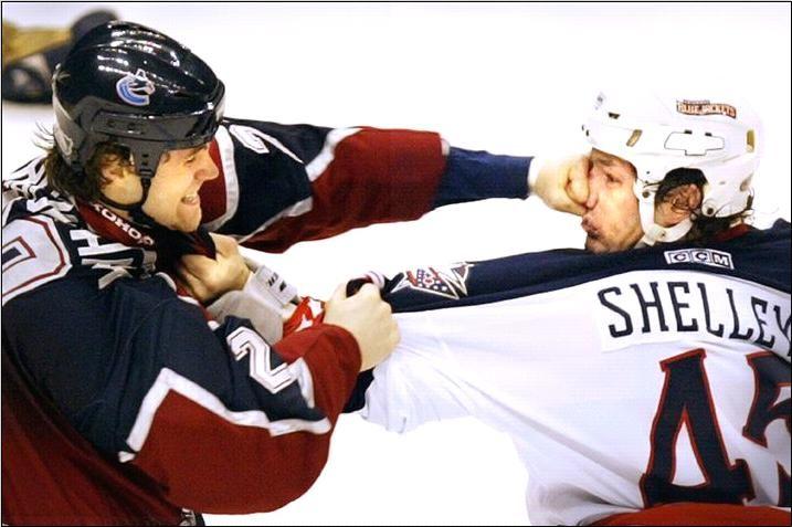 Curiosidades Reglas de combate en Hockey sobre hielo ... c756d9d75c2