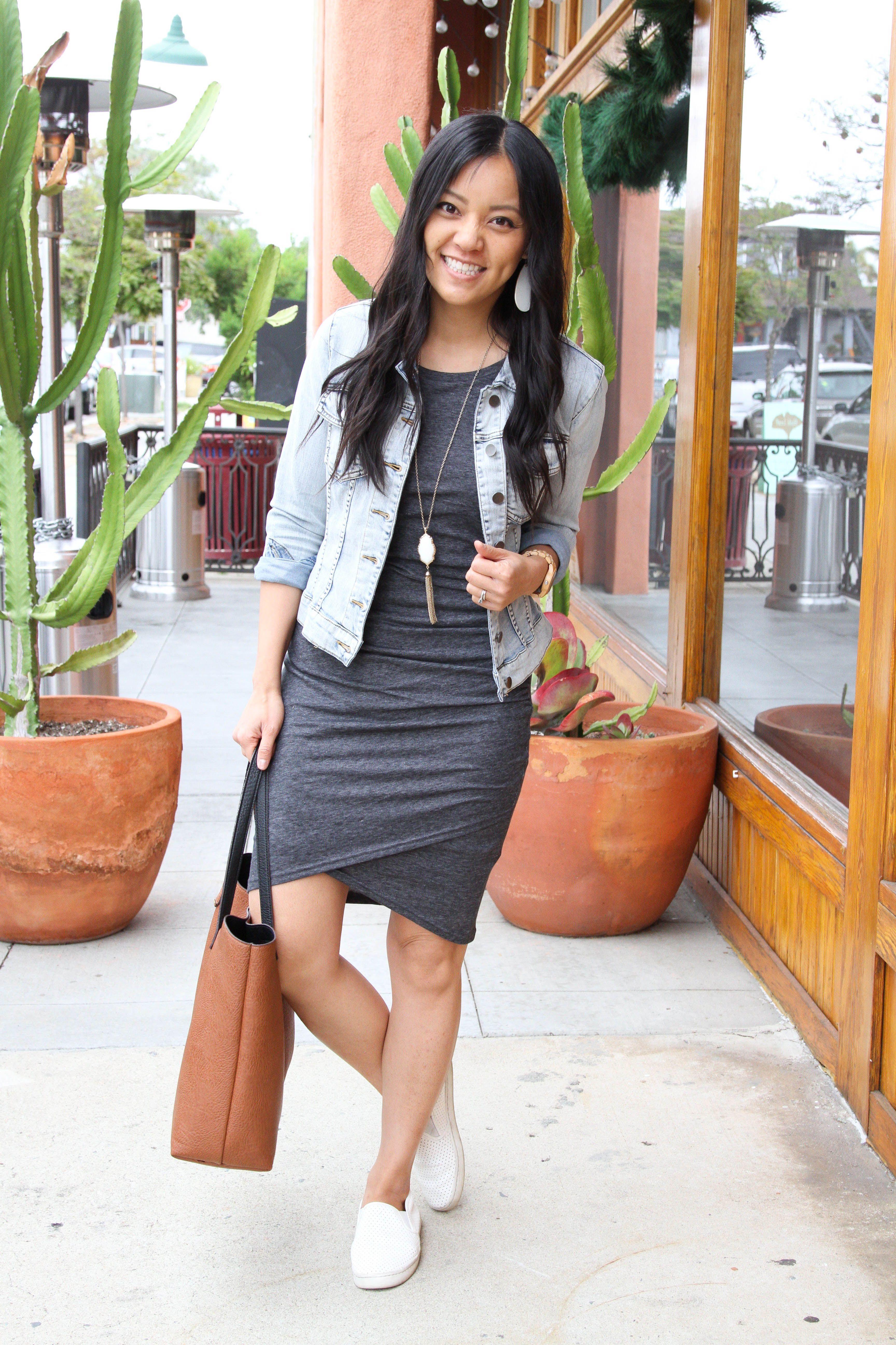 d60b549711a2 grey ruched dress+ white sneakers + denim jacket + pendant necklace +  cognac tote