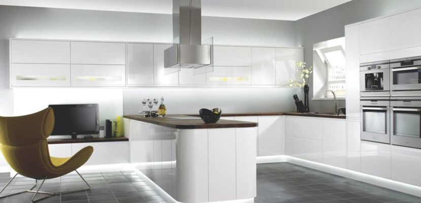 cocina-moderna-blanca-luces-ledjpg (830×400) Mesa de los santos - Cocinas Integrales Blancas