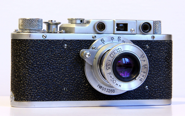 связывает редкие пленочные фотоаппараты простой
