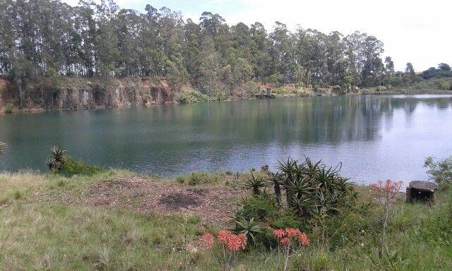 Lago na antiga pedreira