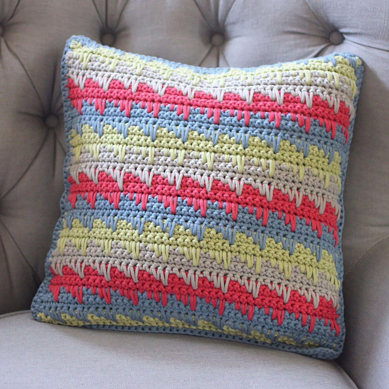 Bernat Reversible Spike Stitch Pillow Cover | Crochet Ideas to make ...