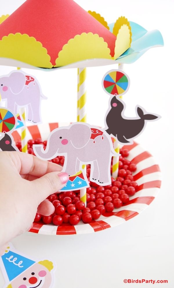 party-ideas-circus-birthday-decorations-DIY-carousel-centerpiece4.jpg (600×995)