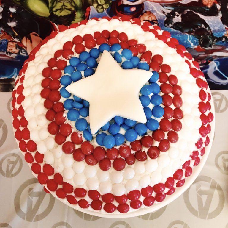 Make An Easy Captain America Cake For Your Avengers Fan Captain America Cake America Cake Avengers Superhero Party