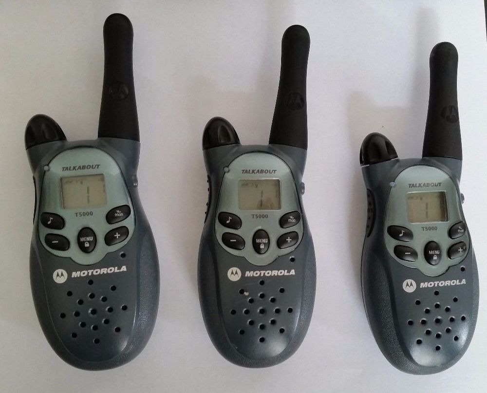 3 Motorola Talkabout T5000 Two Way Radios Walkie Talkies 8 Mile Range Two Way Radios Motorola Walkie Talkie