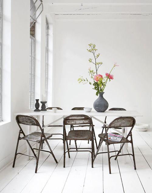 dining / spot / flower / pot / white / wood floor