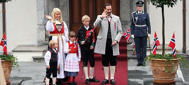 The Royal familiy in Skaugum in Asker