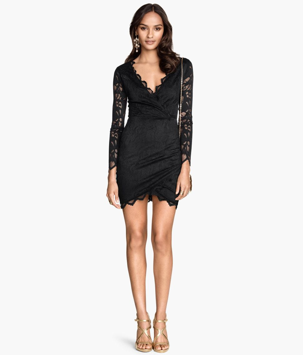 Little black lace dress with low-cut V-neck & long sleeves. | Party in H&M
