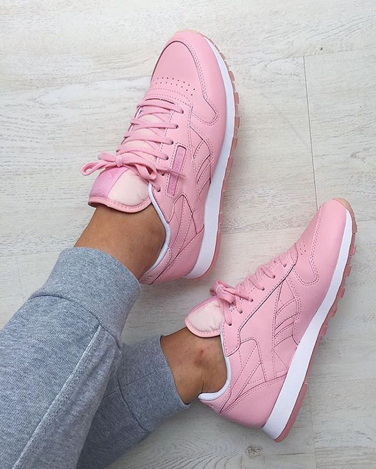 hot sale online 64a80 8f86d Sneakers femme - Reebok Classic x Face Stockholm (©marthamcfly)