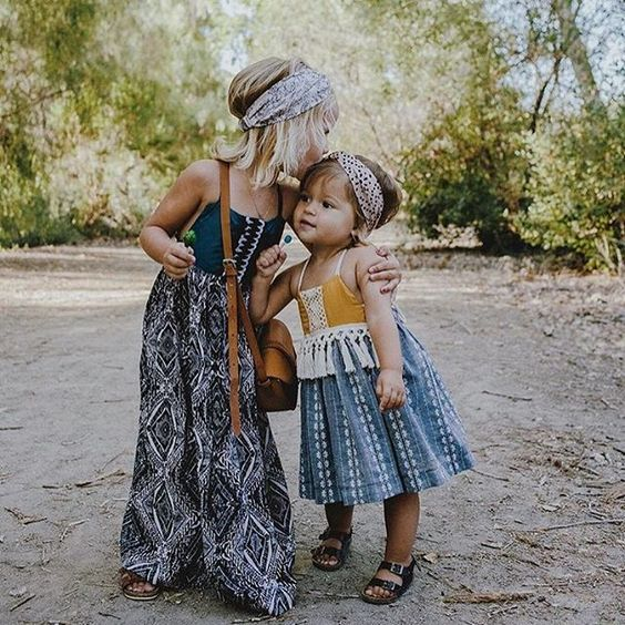 Beach Tropical Vacation Kid Blond Girl With Fashion: ...tropical Travel Mini- Threads.