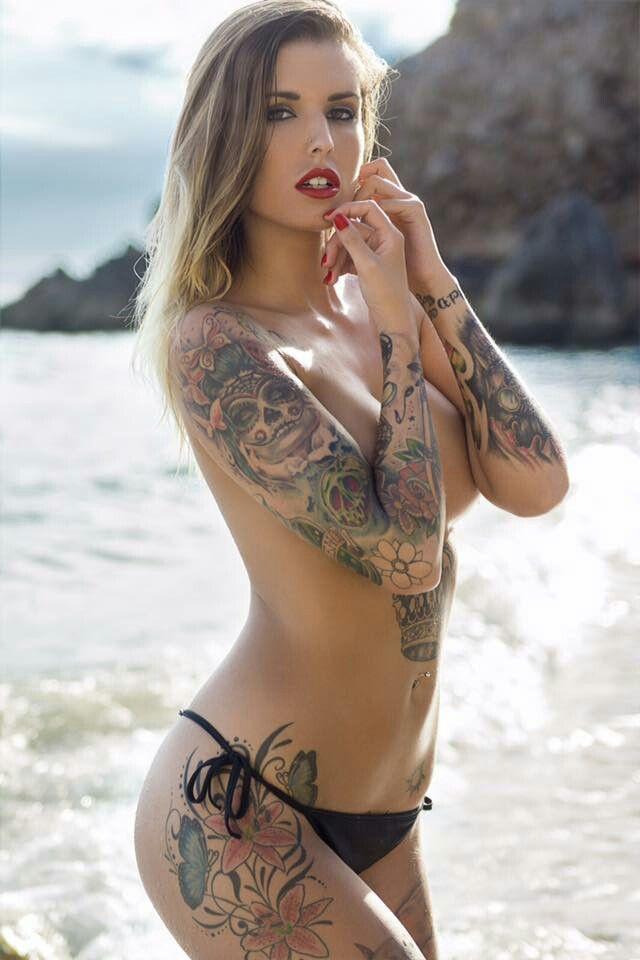 Resultado de imagen para tatuajes chicas en bikini Cuerpos