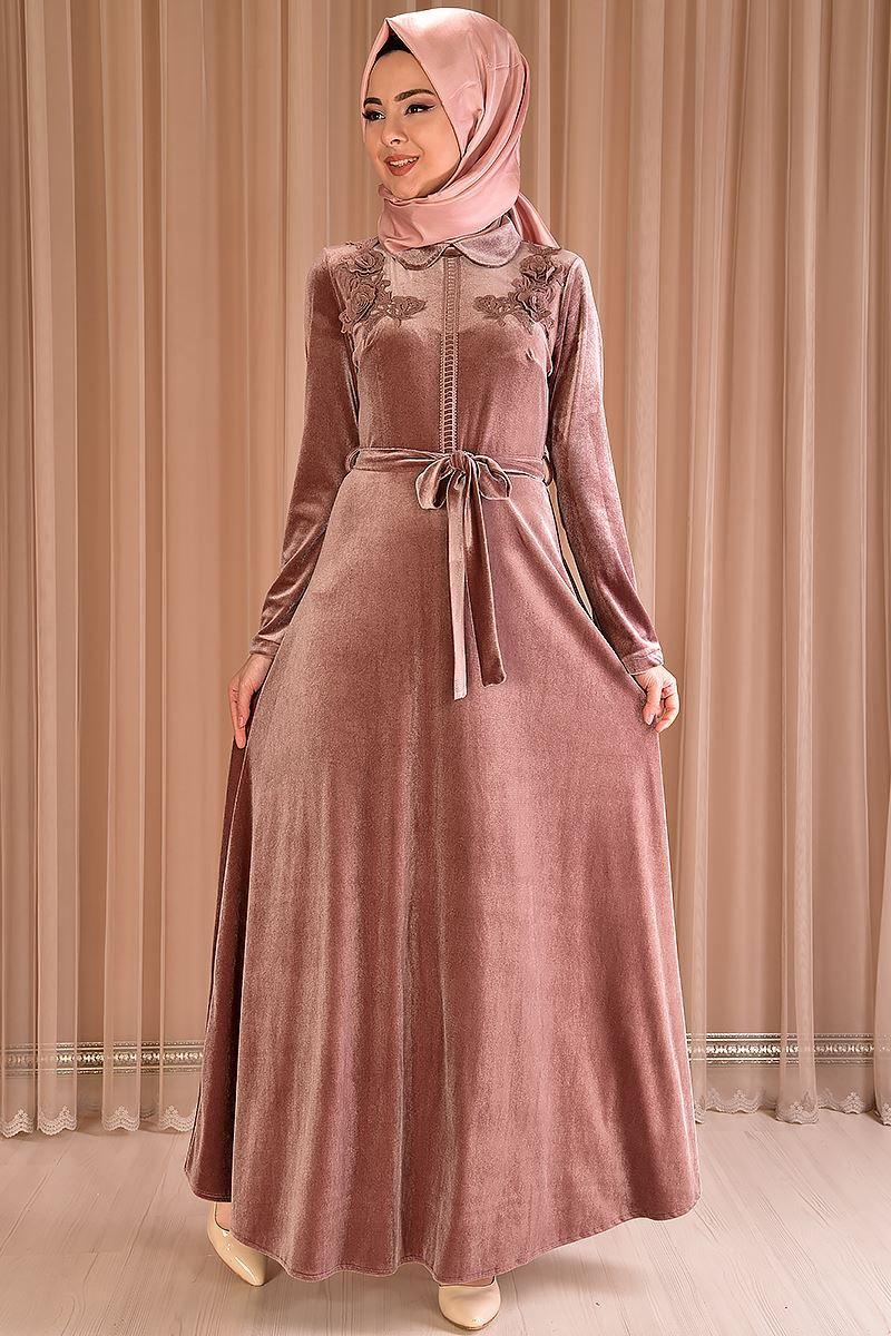 Modamerve Bebe Yaka Tesettur Kadife Elbise Modelleri Moda Tesettur Giyim Elbise Modelleri Elbise Moda Stilleri
