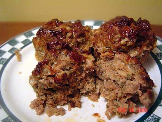 Another good one from Toronto Chef Michael Bonacini. Not your ordinary meat loaf, its great with his Macaroni And Cheese and a green vegetable for a retro dinner!!!!