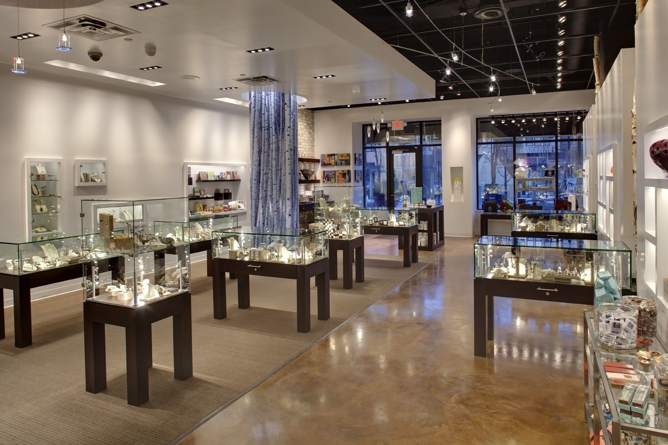 How to Design an Illuminated Jewelry Store
