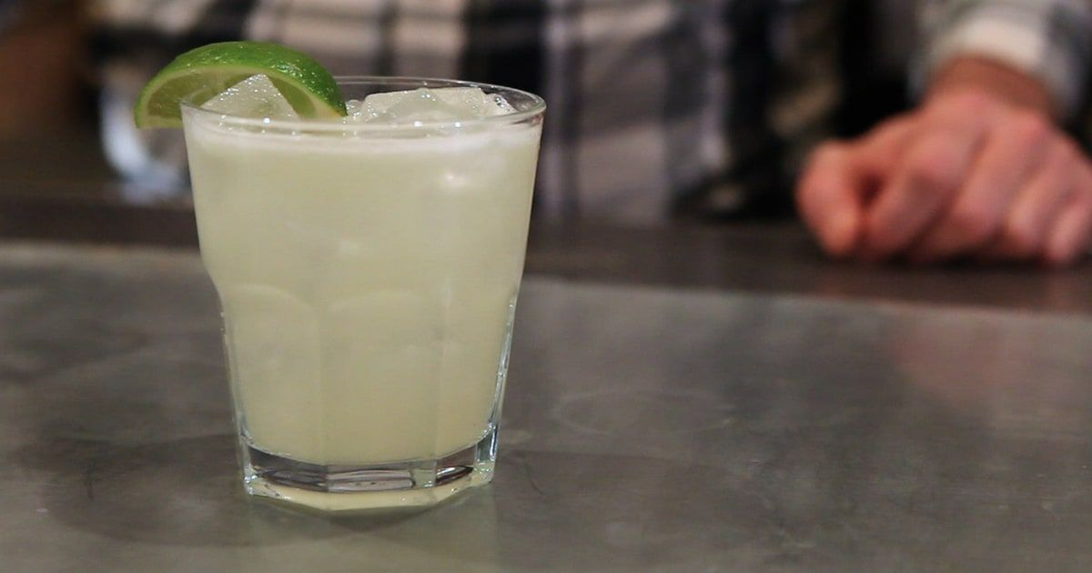 how to make a margarita on the rocks with triple sec