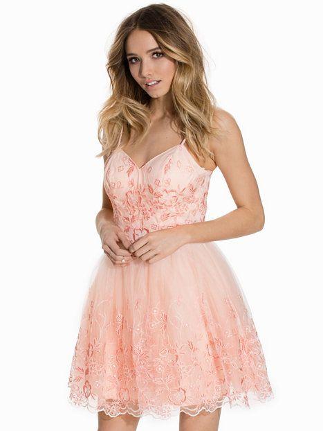 daisy dress nelly