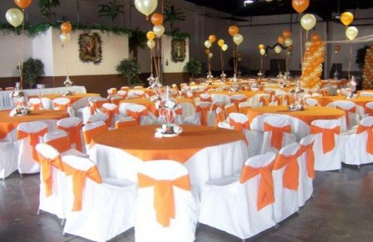 Decoracion de boda naranja y blanco buscar con google for Decoracion de salones para eventos