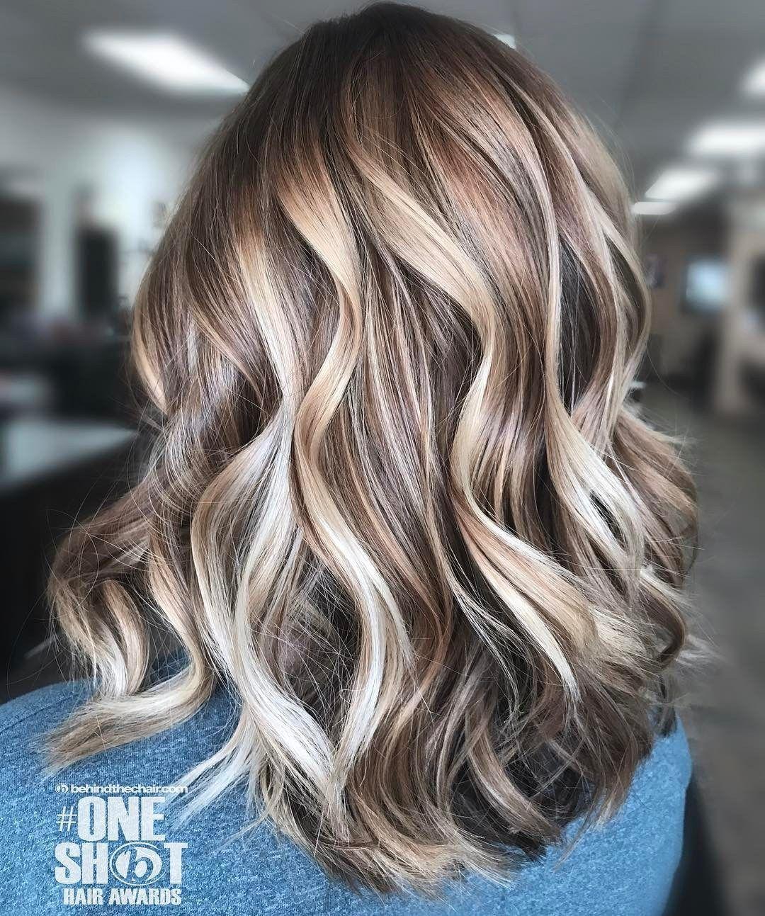 Medium Hair And Multi Colored Balayage Blondehairbalayage Hair Styles Balayage Hair Hair Color Balayage