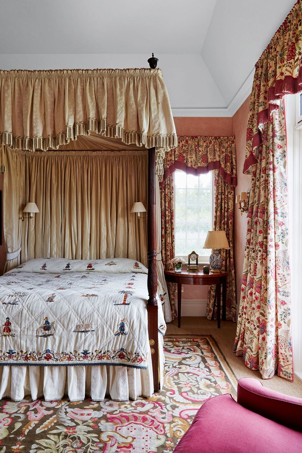 gloriously old fashioned ways to use chintz  Bedrooms Guest