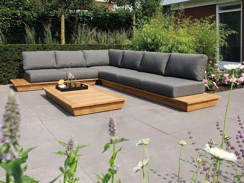 Das Optimale Loungegefuhl Mit Lassigem Design Warmes Holz Kombiniert Mit Grauen Loungekissen Ergeben Ein Perfektes Z Loungemobel Garten Diy Gartenmobel Garten