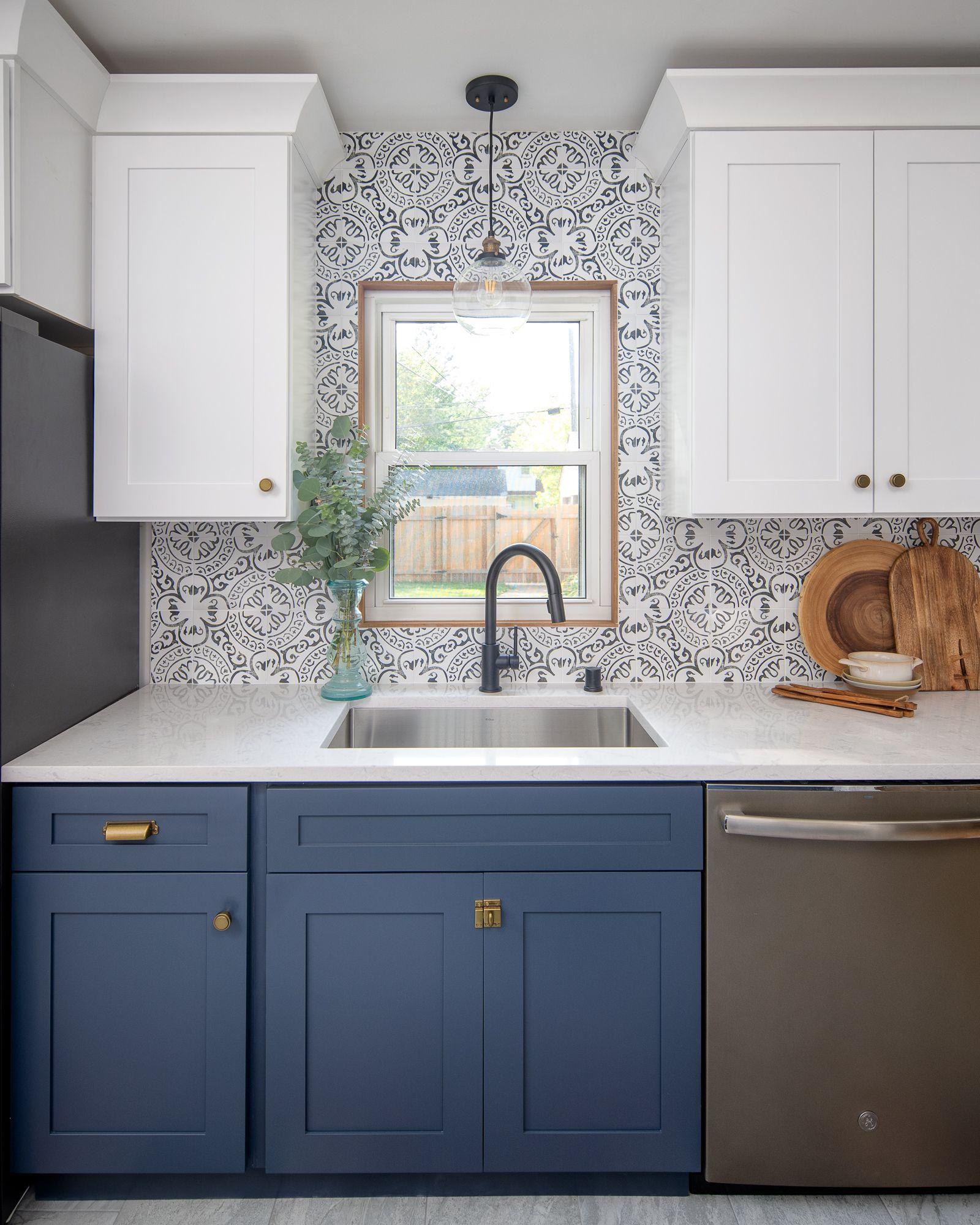 St Louis Park Kitchen Remodel Before After Construction2style Kitchen Remodel Kitchen Backsplash Designs Custom Kitchen Cabinets