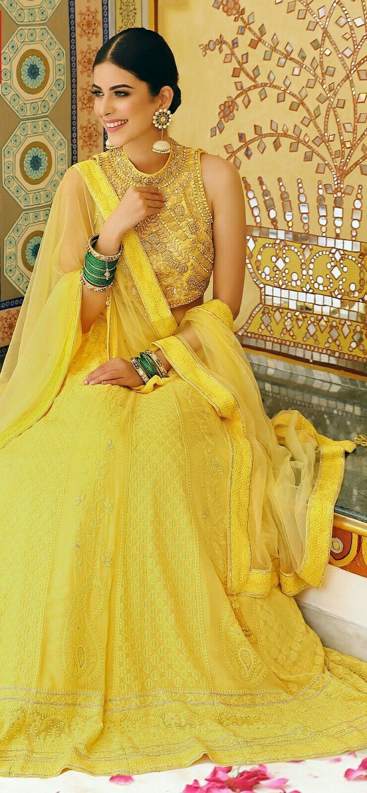 c1f11f9ffe Mehendi outfit | #Mehendi & Haldi ceremony in 2019 | Mehendi outfits ...