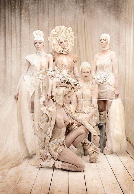Sanita, Militza, Jana, Marina, and Kristina por Tina Patni para Amato Haute Couture