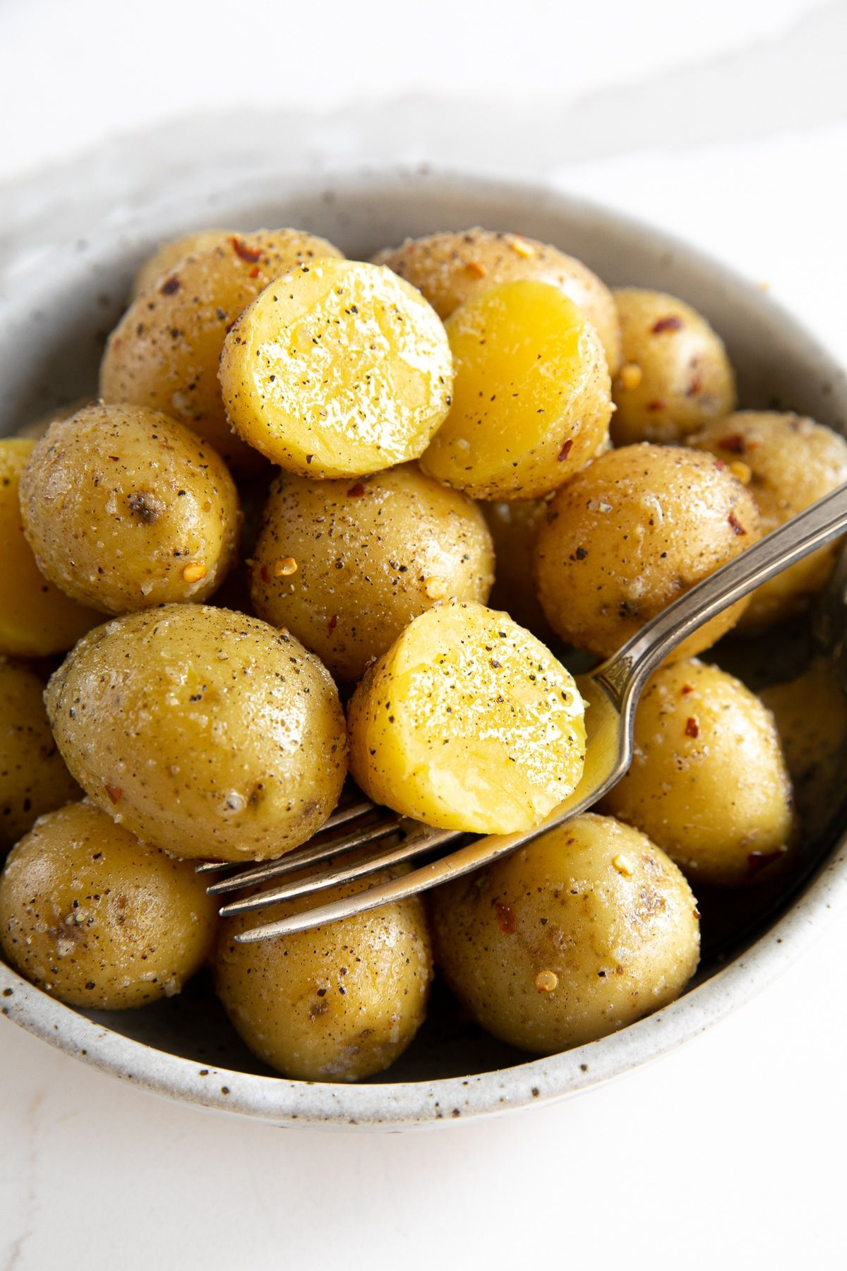 Garlic Butter Boiled Potatoes Recipe How To Boil Potatoes The Forked Spoon Recipe Boil Red Potatoes Recipe Boiled Potatoes Recipe Gold Potato Recipes
