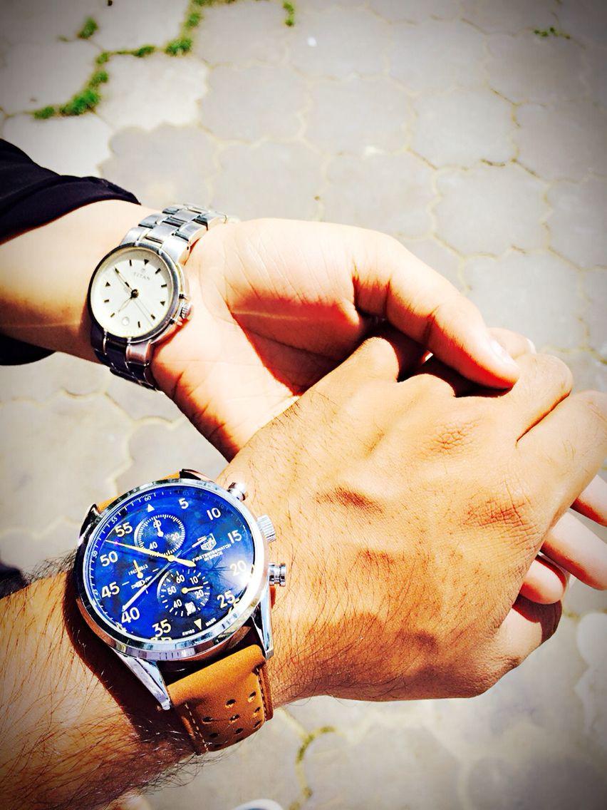 My Love صوتها قمح أسمر تنقر منه عصافير الحب لتحيى صوتها حقول توليب صوتها ماء عذب يروي قصب السكر صوتها يدين تع Couple Hands Couple Holding Hands Hand Pictures