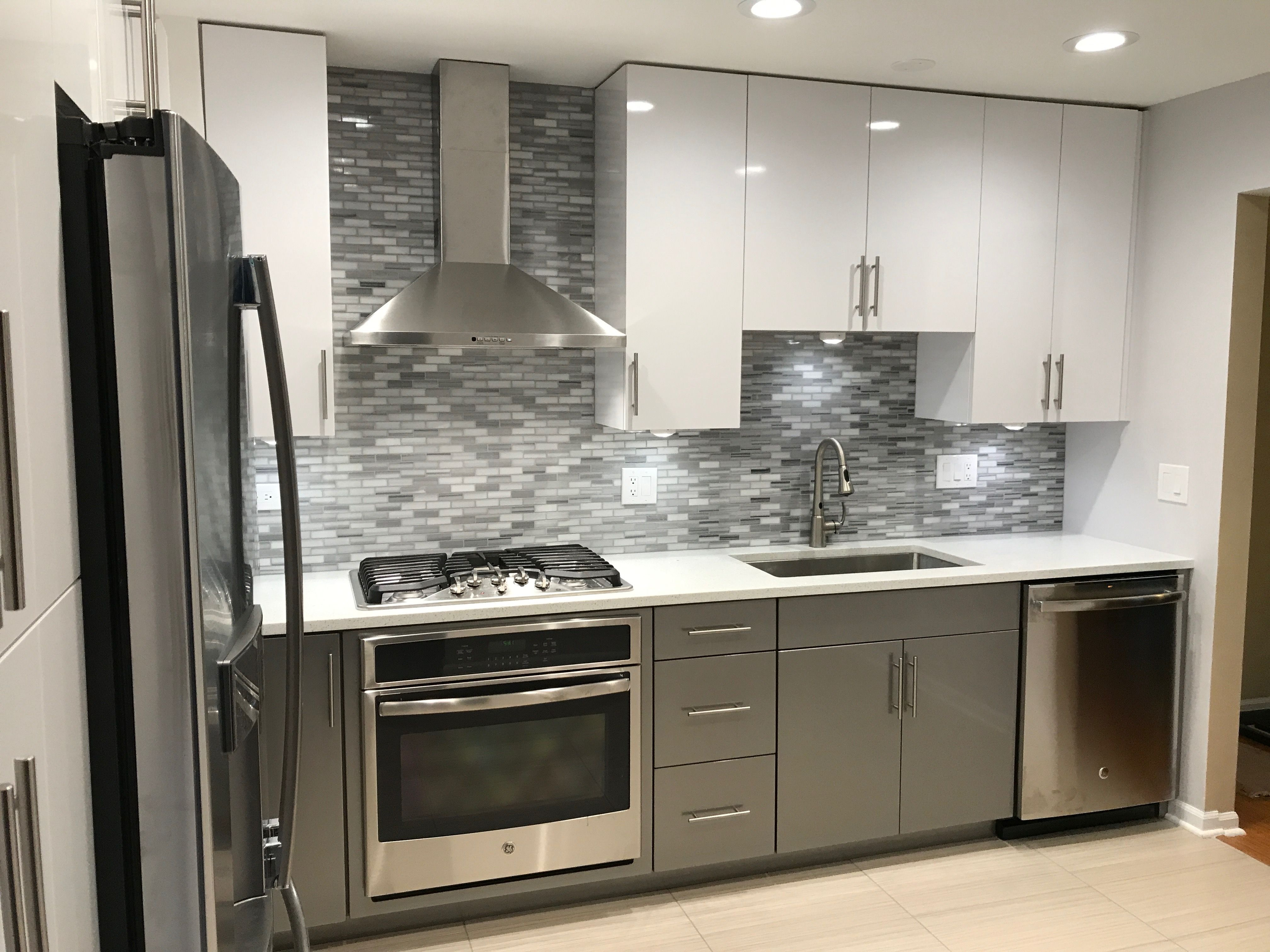 Stainless Steel appliances and different color scheme ...