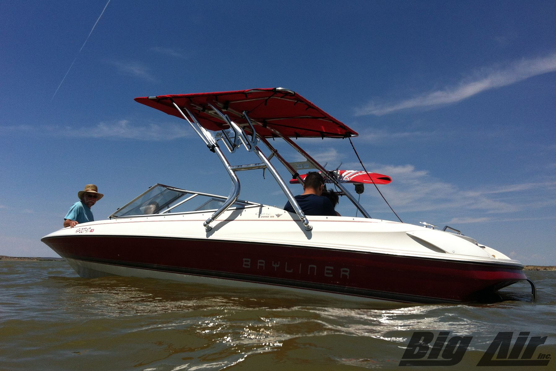 1997 Bayliner 2050 SS with Big Air Cuda wakeboard tower and