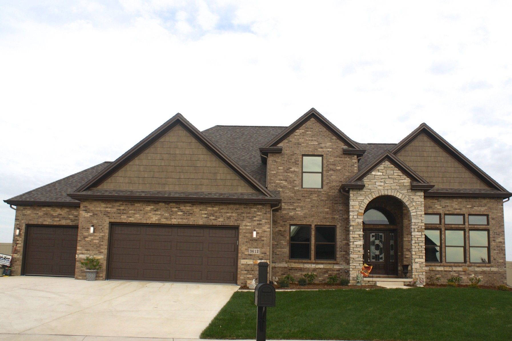 Pin By My Info On House Exterior Stone Exterior Houses Brown