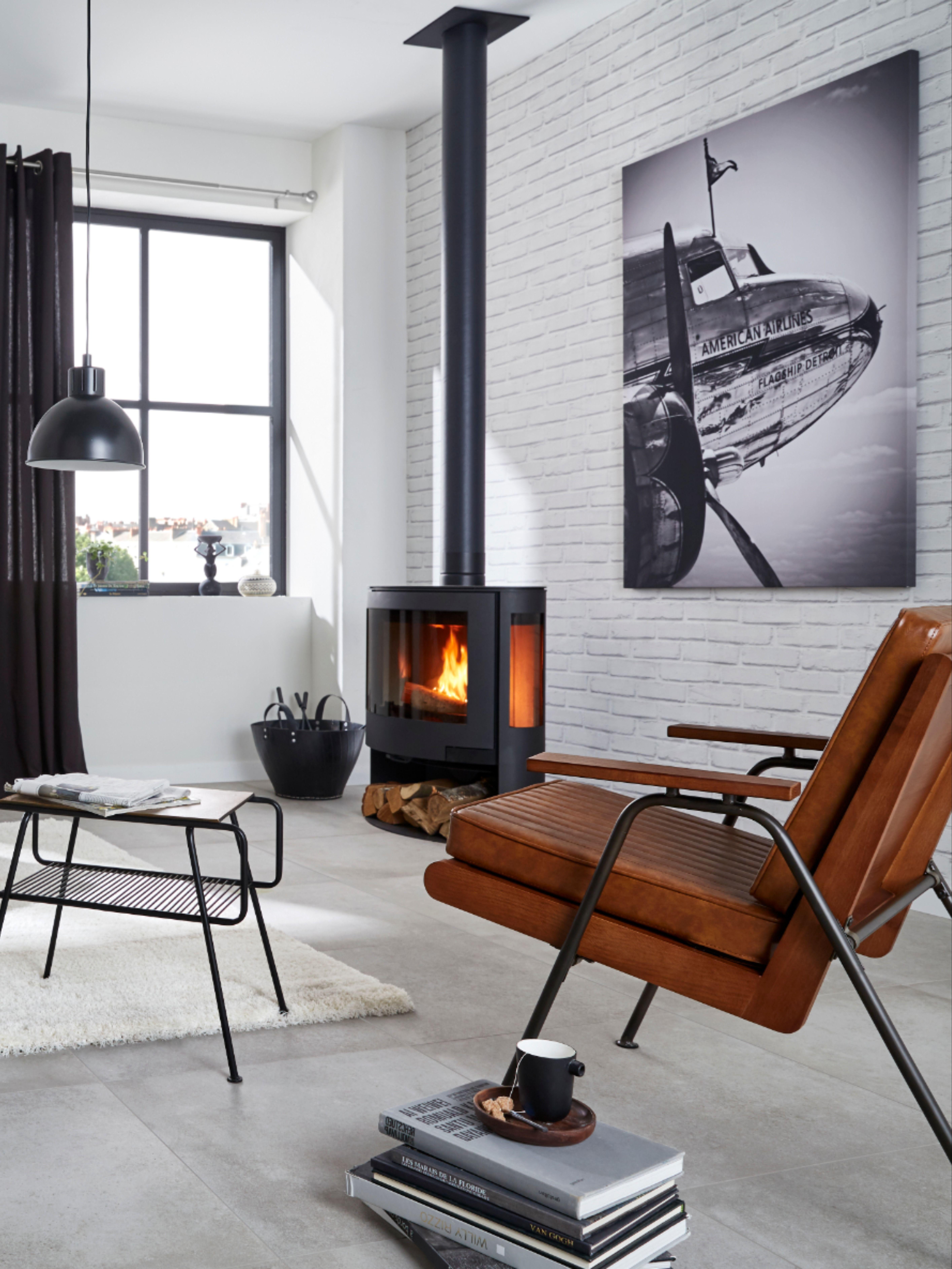Carrelage Beton Papier Peint Brique Motifs Arty Geometriques Luminaires Et Miroirs En Metal Noir Une Nouve En 2020 Decoration Maison Piece A Vivre Maison Art Deco