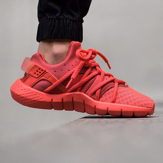 e563bee3eb93a Nike Air Huarache NM