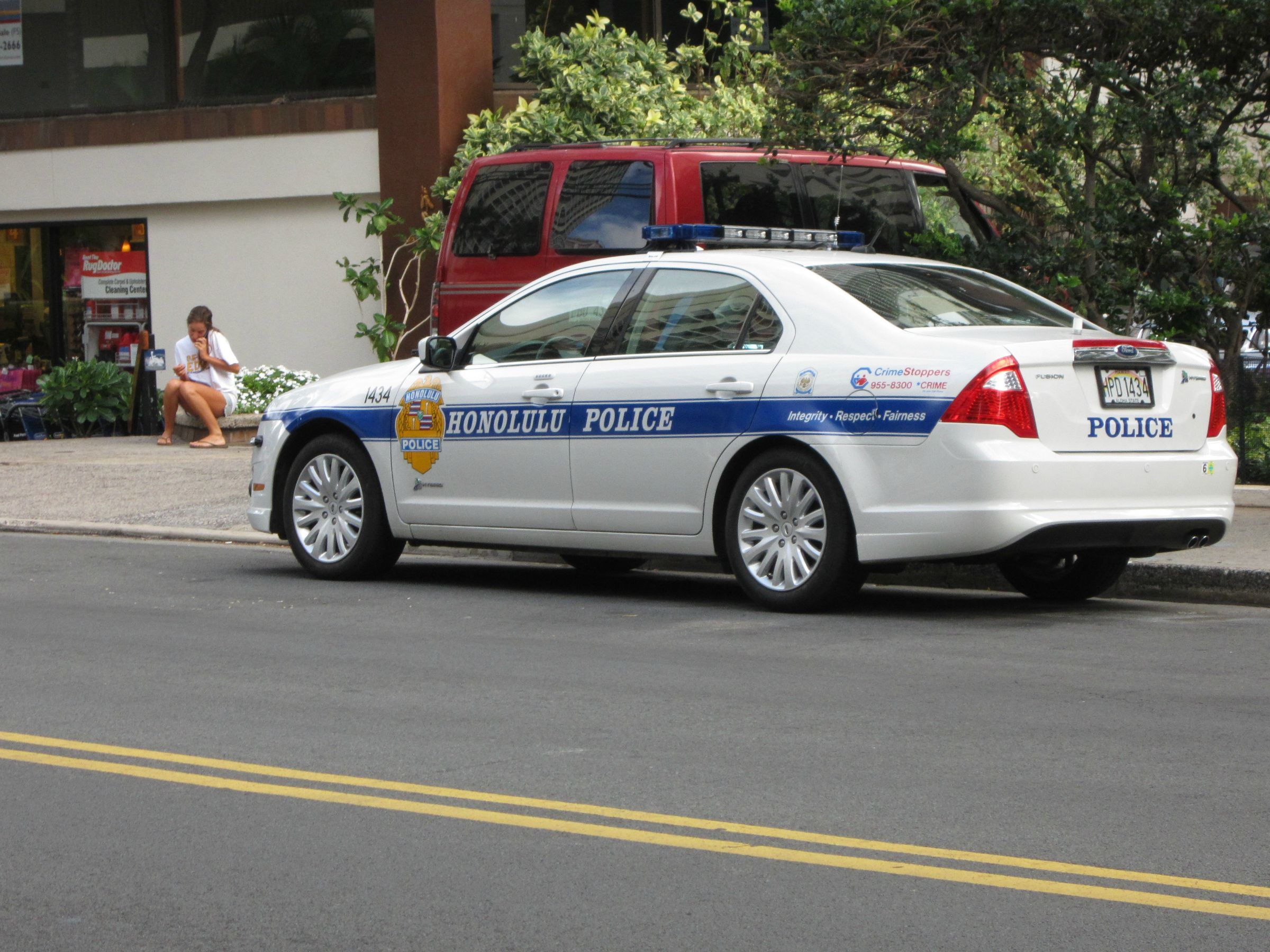 Honolulu Police Ford Fusion With Images Police Cars Honolulu