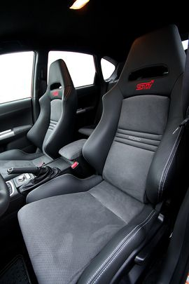 Jdm Subaru Impreza Sti Seat By Recaro Subaru Subaru Wagon Recaro