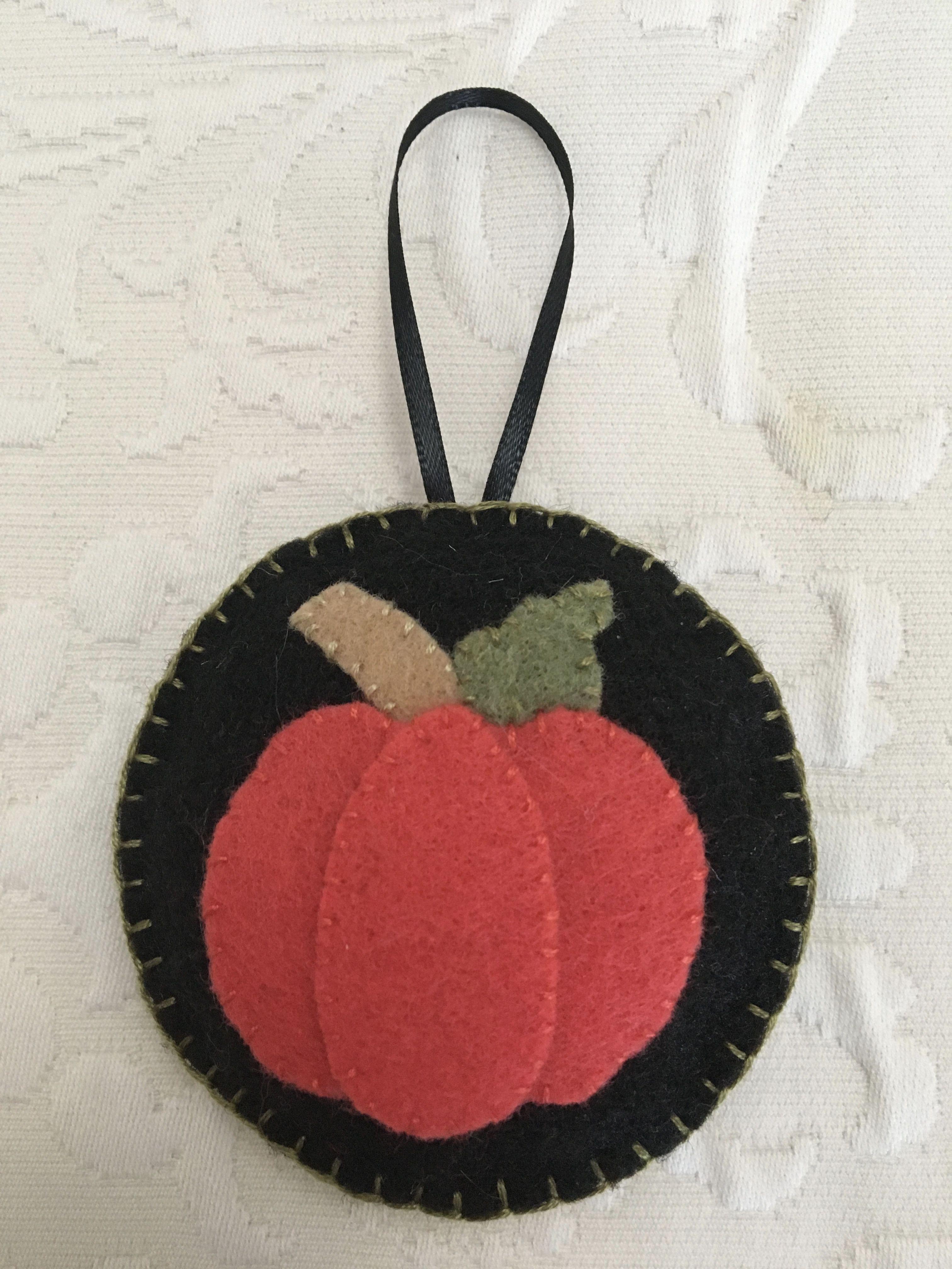Felt Crafts Felt Ornament Pumpkin Halloween Thanksgiving Harvest Autumn Made By Janis Fall Felt Crafts Halloween Felt Crafts Felt Ornaments