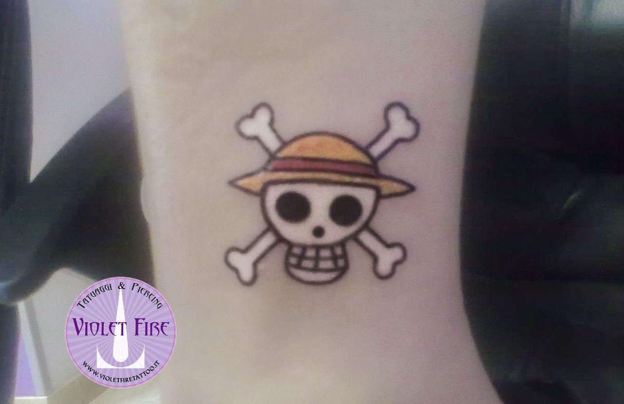 One Piece · tatuaggio personaggi, tatuaggio videogioco, tatuaggio gruppo,  tatuaggio cartone, tatuaggio anime, tatuaggio