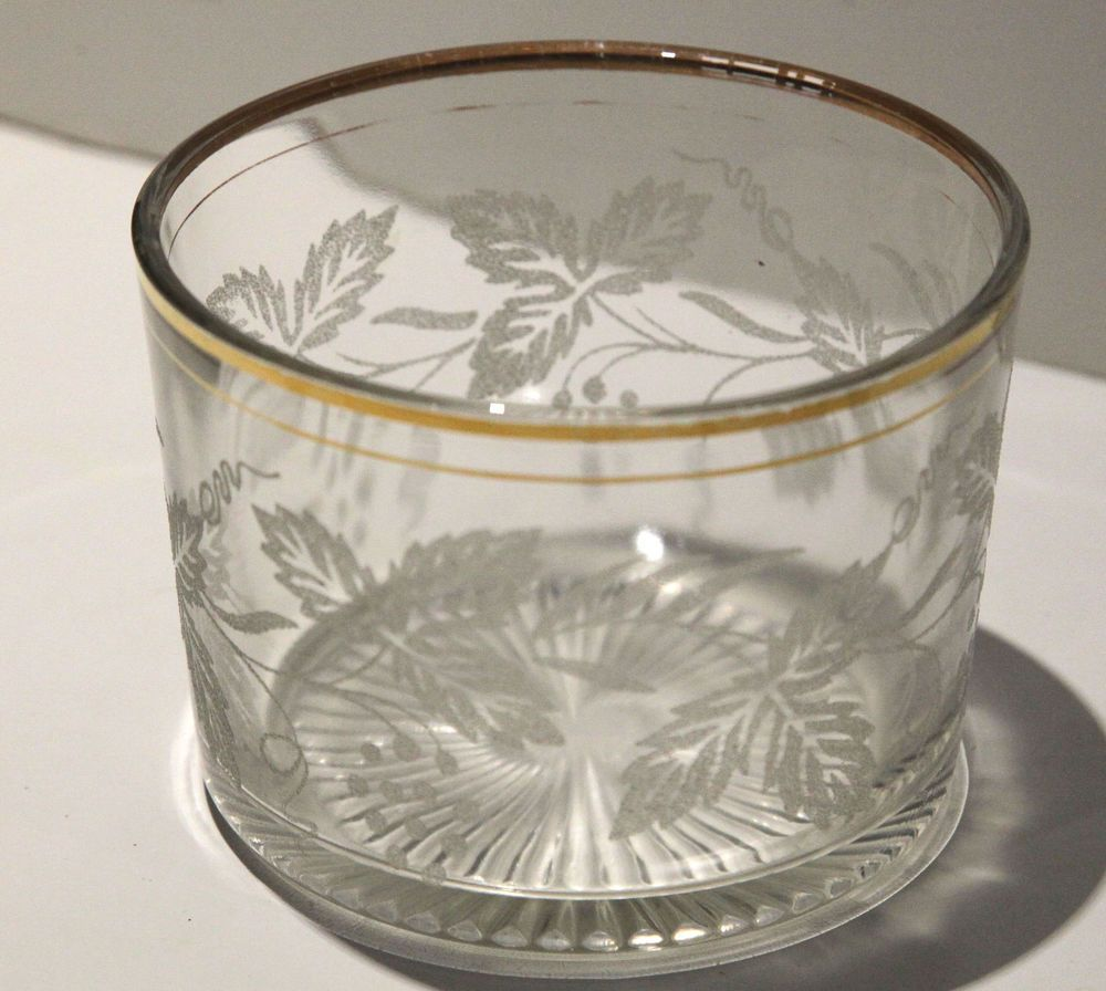 Vintage Collectible Crystal Bowl with Etched Leaf Pattern$20.00