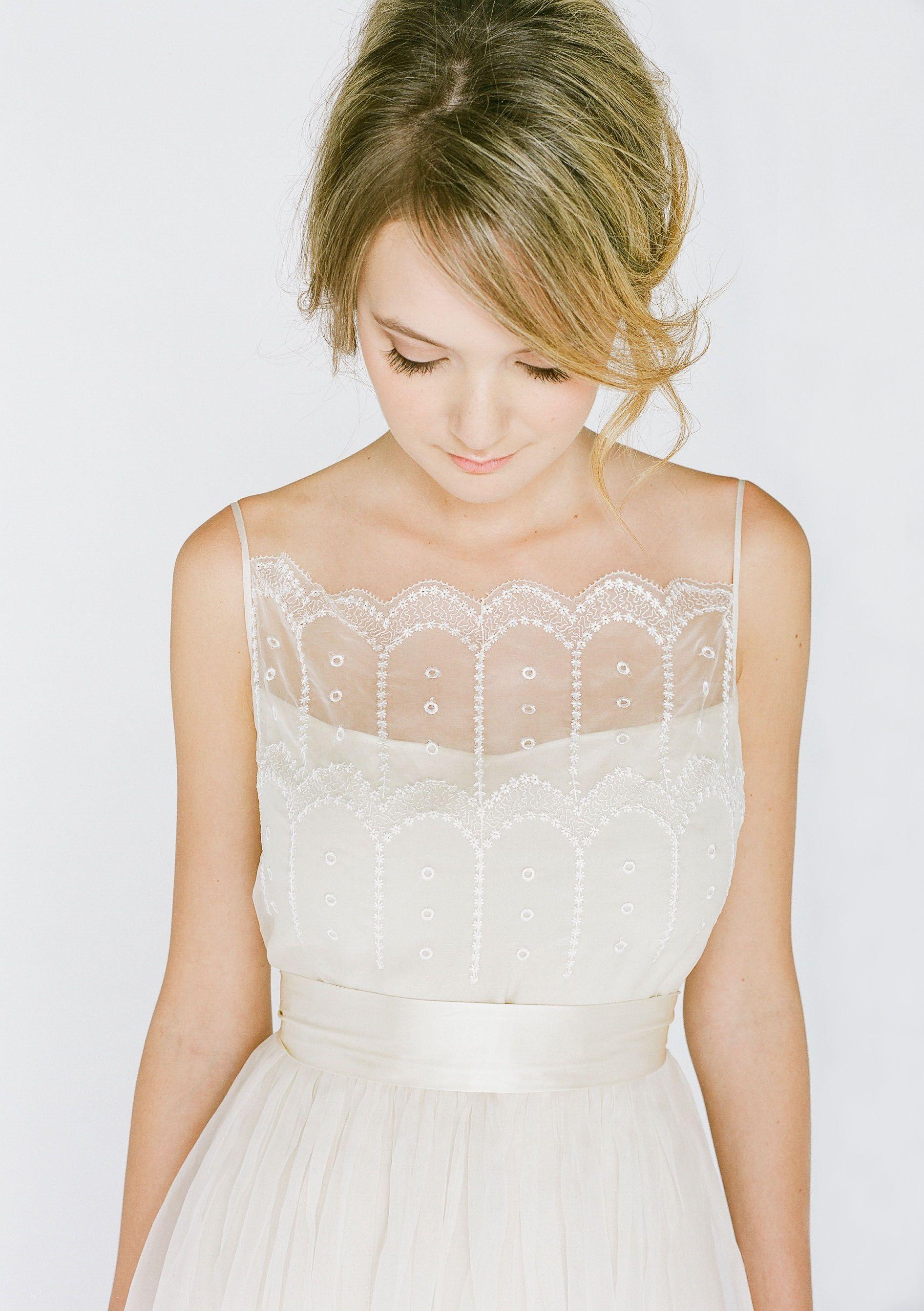 Vestido de Novia - Pretty lace neckline - Precioso encaje y escote