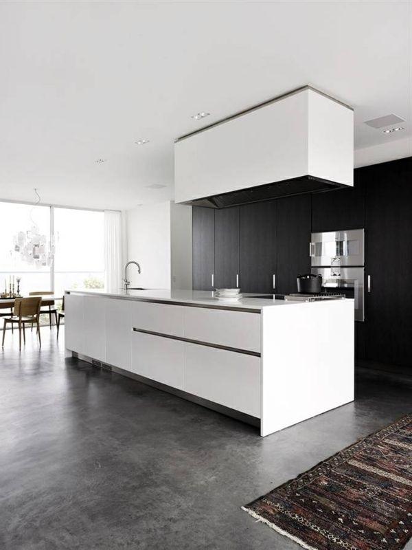 moderne küche weiße kücheninsel teppichläufer geräumig frisch | Ev ...