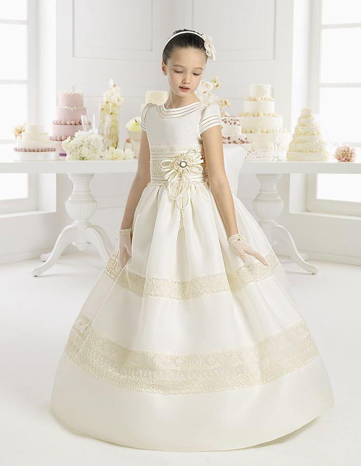 5c5d20d2585 Boy in first communion dress. Vestido de Primera Comunión la colección 2015  de la diseñadora Rosa Clará.