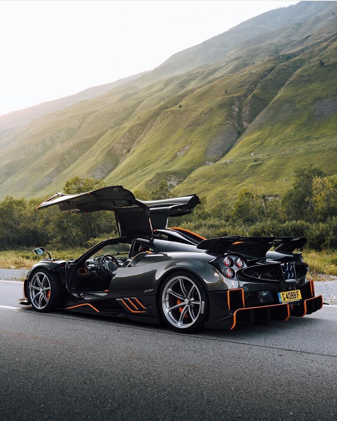 Sports Luxury And Supercars On Instagram This Is The New Pagani Huayra Imola The First Of 5 Cars In Total That Will Be Prod In 2020 Pagani Huayra Pagani Super Cars