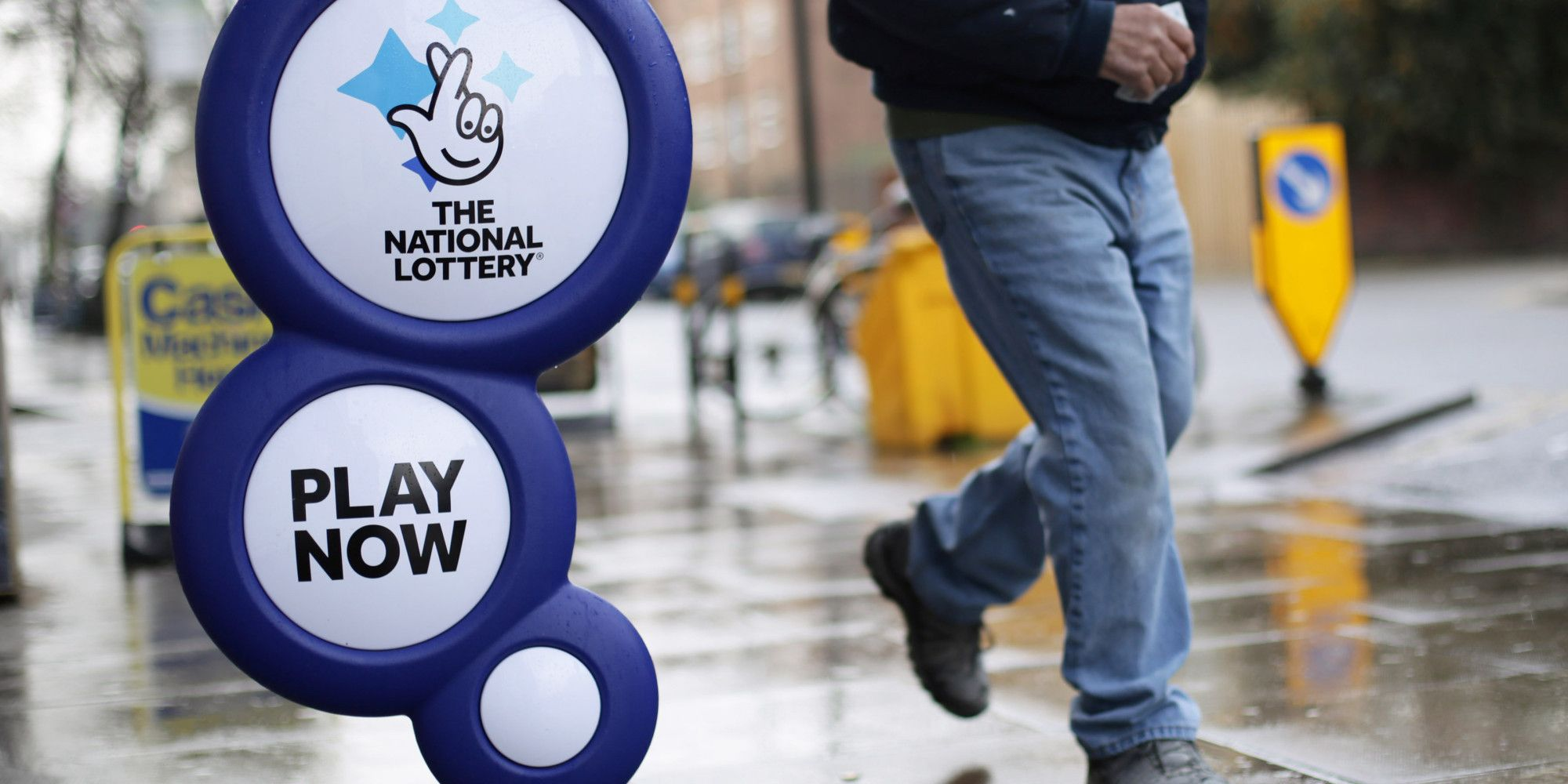 The way you play the lottery online through the web site appears to be easy and also the info needed to enter the attracts is evident to envision. The time until the next draw is in obvious sight and clicks down in real time. The numbers you have selected are displayed and it appears straightforward to form relevancy your winnings and cash staked.